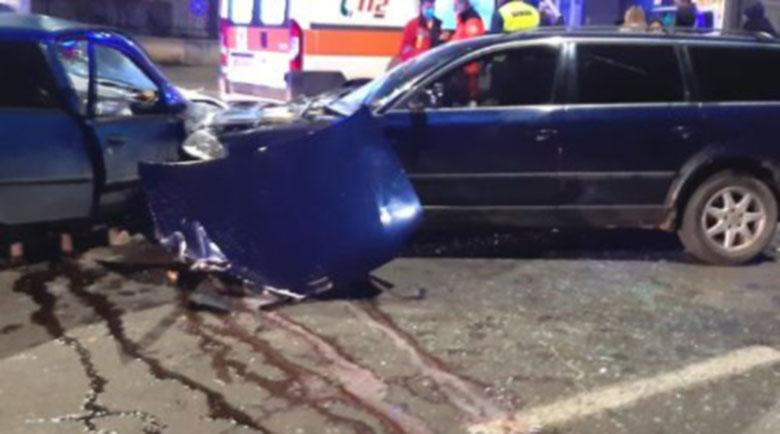 Тежка катастрофа с четири автомобила в центъра на София