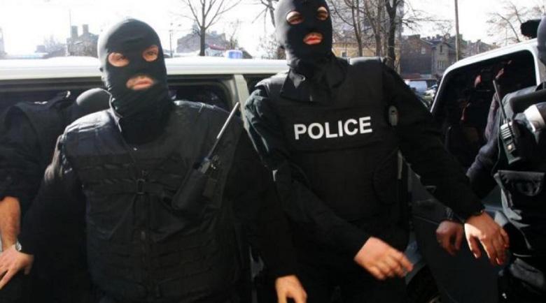 Бандата на Паро Боксьора плаши длъжници с изнасилване