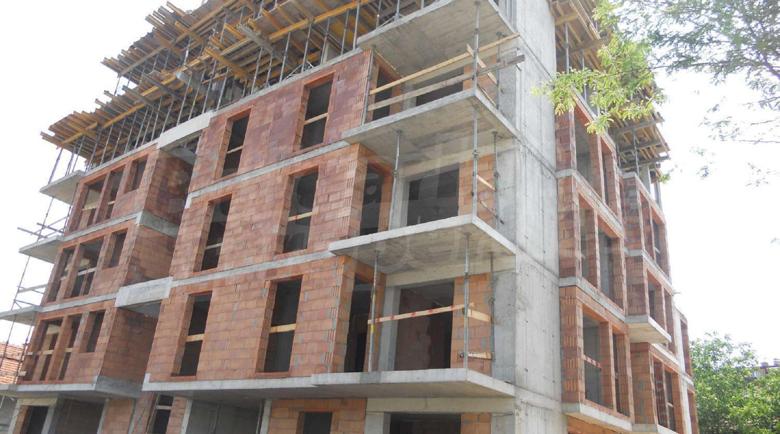 Строителните материали двойно по-скъпи, продават жилища на загуба