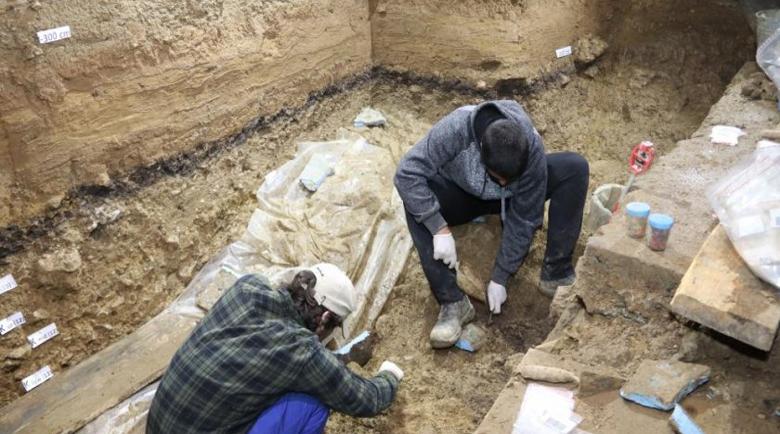 """Намериха човешки останки на 45 000 години в пещерата """"Бачо Киро"""""""