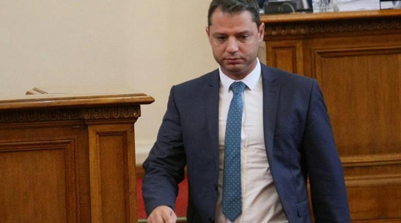 """Добрев: Тези, които викаха """"Мутри вън!"""", станаха мутри в парламента"""