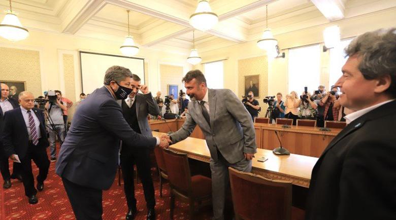 """ИТН и ДБ започнаха преговорите! Манолова: """"Да"""" на кабинет на промяната, без ГЕРБ и ДПС"""