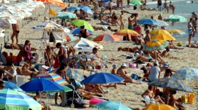 Крадци по бански атакуват плажове по Черноморието
