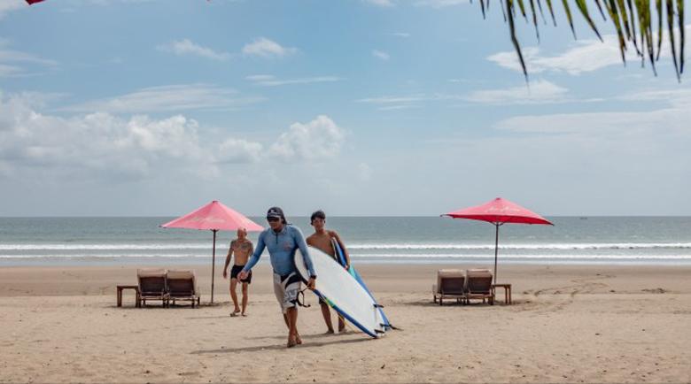 Бали се оказа отново достъпен за чужденци