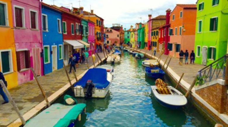 Остров Бурано – цветните къщи, чиито жители имат странен закон