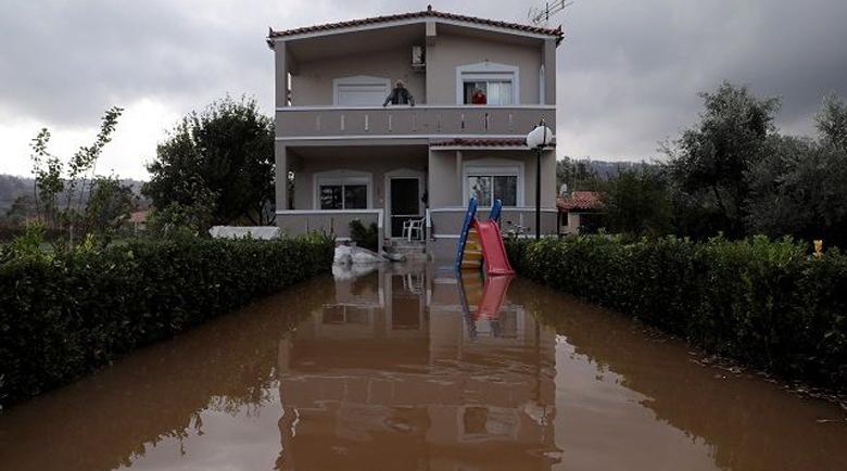 Проливните дъждове предизвикаха хаос в цяла Гърция