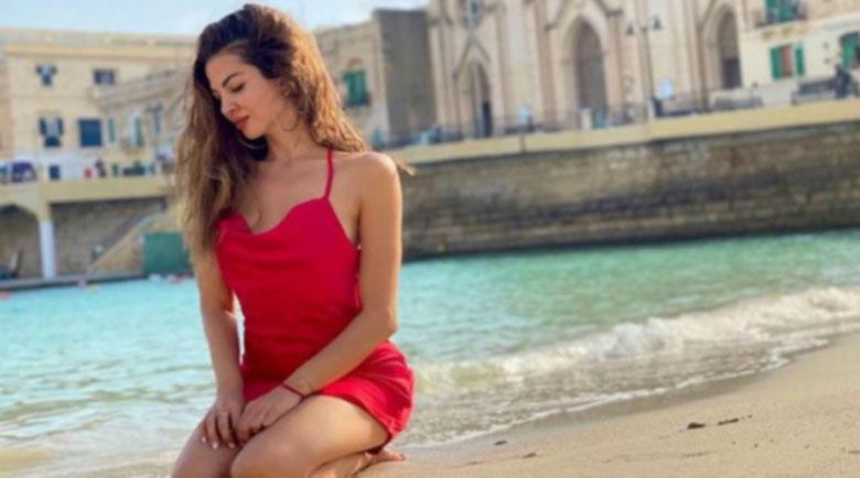 Райна полегнала в Малта, докара сърцебиене на феновете
